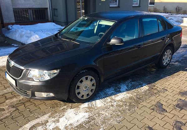 vůz Škoda Super autopůjčovny Proncar